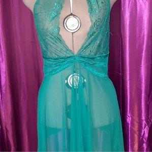 Flattering Flowy plus size lingerie!
